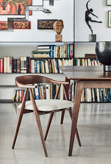 Lugo dining armchair and table